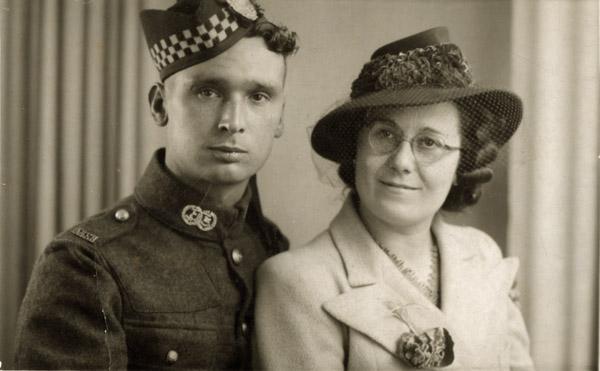 Aunt Annie & Billy Berry  26 Oct 1940 600